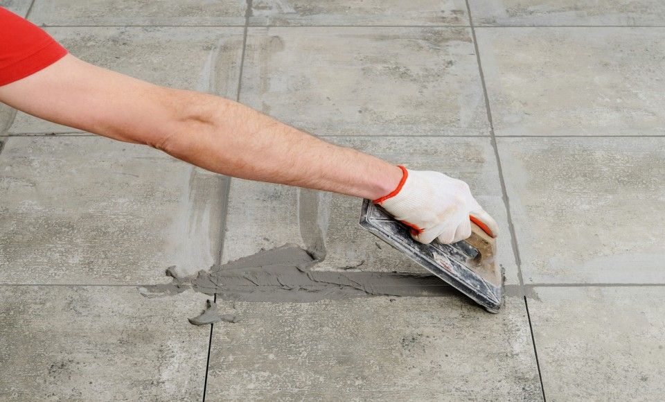 Partial grout repair or complete re-grouting? Grout solutions explained